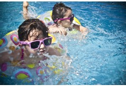 Tips to organize a great summer pool party